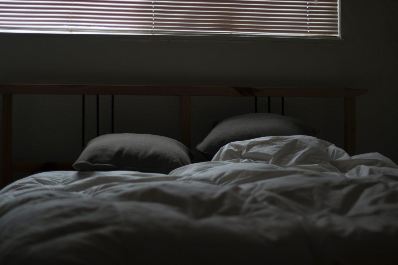 睡眠時間が短くなる
